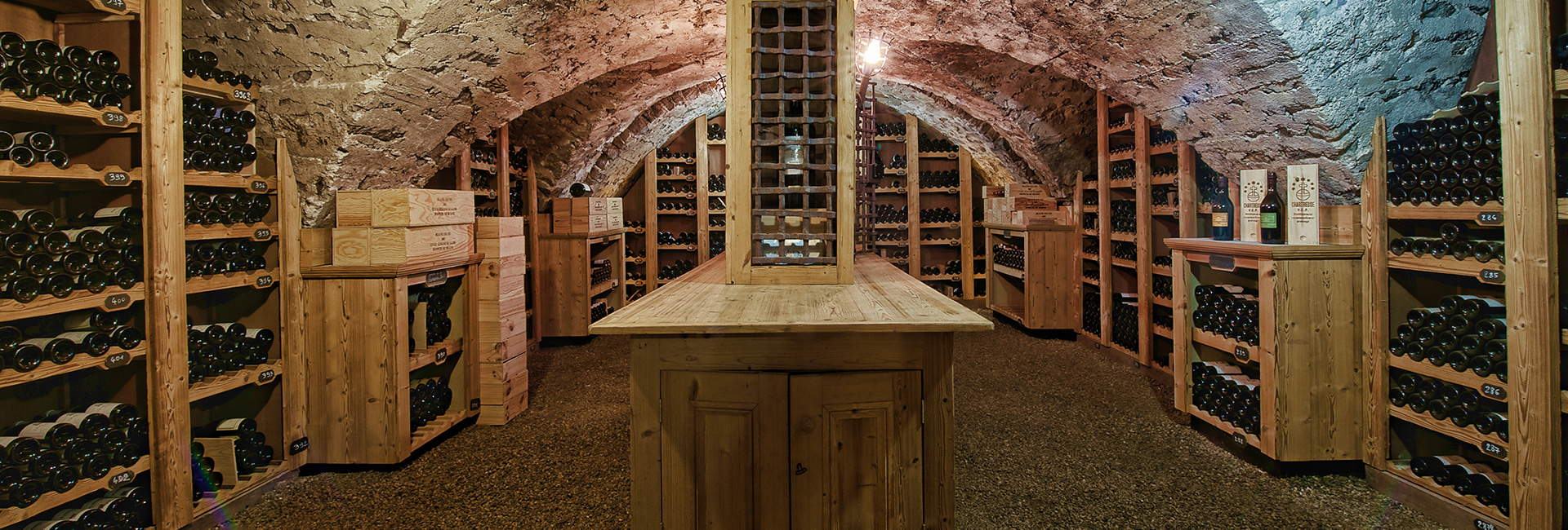 cave vin annecy restaurant annecy gastronomie annecy. Black Bedroom Furniture Sets. Home Design Ideas